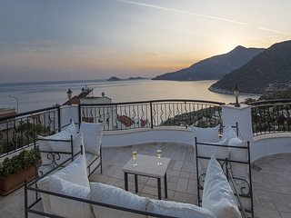 Meltem Azure Apt - 2 bedroom apartment with stunning sea and mountain views