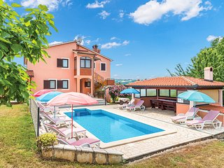 Amazing home in Labin w/ WiFi and 6 Bedrooms (CIK541)