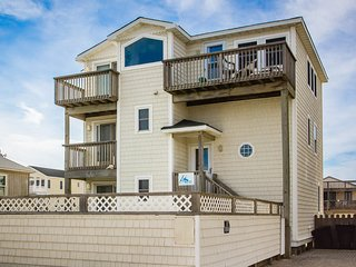Sea Spray | 80 ft from the beach | Dog Friendly, Private Pool, Hot Tub | Kitty H