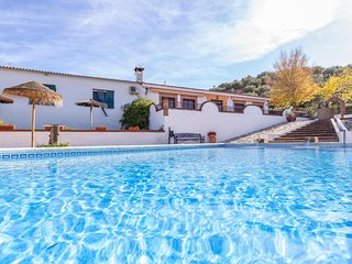 Awesome home in Priego de Cordoba w/ 3 Bedrooms (EAC143)