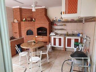 Casa ampla em Bertioga - 2 min. da praia