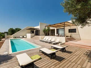 Serranova Villa Sleeps 10 with Pool Air Con and WiFi - 5828798