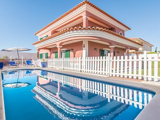 Zambujal de Cima Villa Sleeps 9 with Pool - 5798295