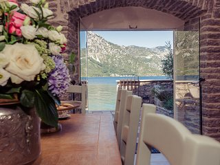 Beautiful home in Kotor w/ WiFi and 5 Bedrooms (MNK203)