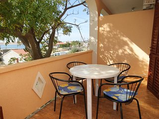 Franjevica Apartment Sleeps 4 with Air Con and WiFi - 5469517