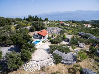 Skrip Holiday Home Sleeps 7 with Pool Air Con and WiFi - 5470592