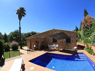 Castell-Platja d'Aro Villa Sleeps 6 with Pool and Free WiFi - 5509555