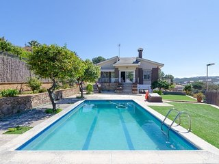 Lloret de Mar Villa Sleeps 10 with Pool - 5509443