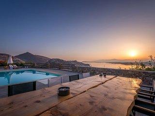 Paros Villa Sleeps 12 with Pool - 5478610