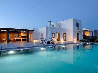 Paros Villa Sleeps 16 with Pool and Air Con - 5478598