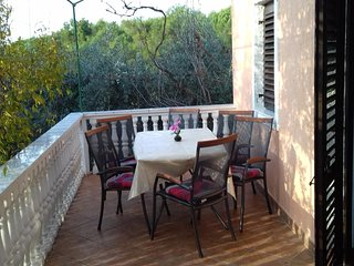 Diklo Holiday Home Sleeps 6 with Pool Air Con and WiFi - 5470769