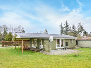 Nice home in Ronde w/ 2 Bedrooms and WiFi (D55800)