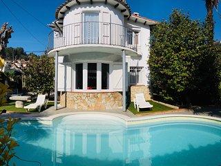 Villa con PISCINA a 5' Parque Natural del Montseny y cerca COSTA BRAVA