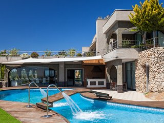 Es Cana Villa Sleeps 20 with Pool Air Con and WiFi - 5805582