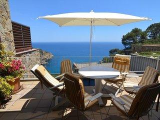 Tossa de Mar Villa Sleeps 5 with Air Con - 5512416