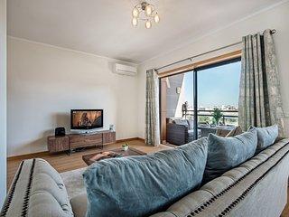 Apartment Luna | Gorgeous 3 bedroom modern apartment close to Town Centre