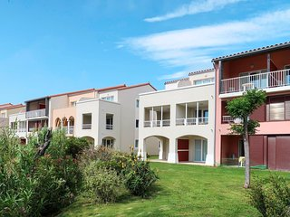 Amazing apartment in Le Barcarès w/ Swimming pool, WiFi and WiFi