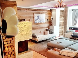 Epic Mountain Ski Lodge with tons of facilities in one of the best locations!