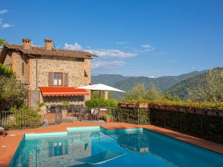 Villa Ripiano in Tuscany with Panoramic Vista & Private Pool (Sleeps 10)