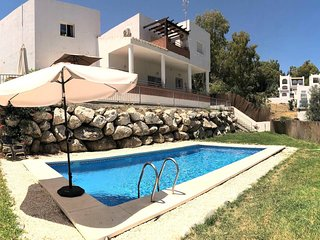 NEW LISTING!Great 4 Bedroom Villa with Private Pool Garden Sea Views Playground