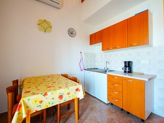Holiday home 143952 - Holiday apartment 127072