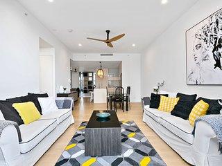 ♦️ Oracle – 3 Bedroom Courtyard — We Accommodate