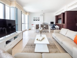 Ravishing 2BR Apartment in the Heart of Downtown Dubai