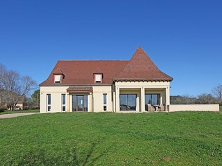 Perigordine style house with spa hot tub in the heart of the Dordogne