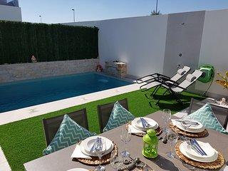 Panarama Serena Golf Villa 3 beds 2 bath, Private Pool, WiFi, English TV, Aircon