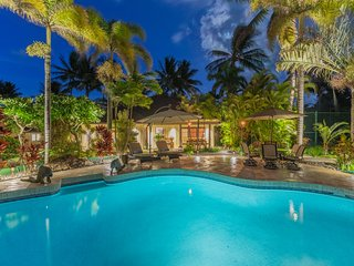 Large Private Luxury Home w/Pool, A/C and Ocean Views. Kailua Shores Estate