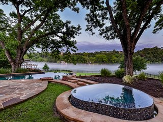 THE ABOVE AUTOGRAPH ESTATE ON LAKE AUSTIN