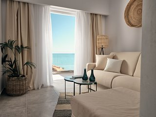 Shellona Luxury Rooms - Superior Suite 2+2 guests with Sea View