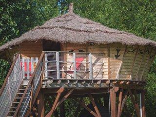 Sejour en Cabane Perchee pres du zoo de Beauval