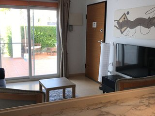 Beautiful and spacious groundfloor 3 bedroom Apartment