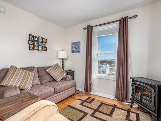 Ocean View Apartment.  Right in Downtown Old Orchard Beach.