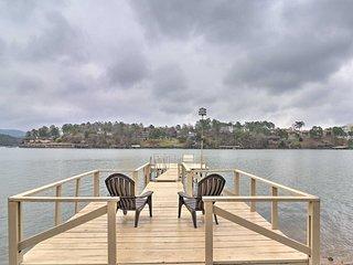 NEW! Lake Hamilton Family Escape w/ Kayaks + Grill