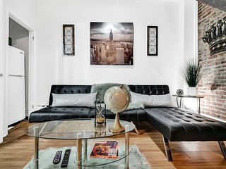 Bi-Level Center City Loft w Incredible Style