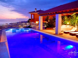Villa 'Rincon del Mar' with panoramic beach view