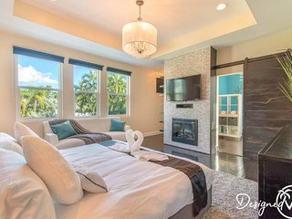 Hollywood Dream House - 5 Bedroom w/heated POOL