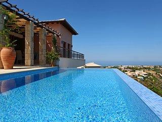 Kouklia Villa Sleeps 4 with Pool Air Con and WiFi - 5585444