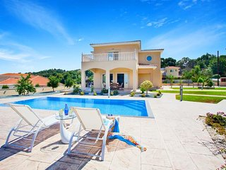 Stroumpi Villa Sleeps 7 with Pool and WiFi - 5343703