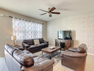 SPECIAL OFFER! - New Townhouse in Orlando - Close to Disney and Outlets!
