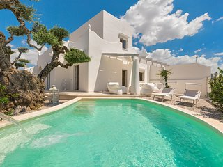Maruggio Villa Sleeps 6 with Pool Air Con and WiFi - 5829283