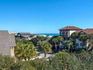 10% New Listing Discount!! Beautiful Beach Home-Lakefront-Gulf Views-Large Porch