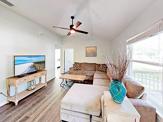 Brand-New Vilano Beach Getaway w/ Deck - Blocks from Boat Launch & Beach