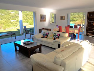 Very beautiful villa in residence 10 minutes from Ajaccio and beaches