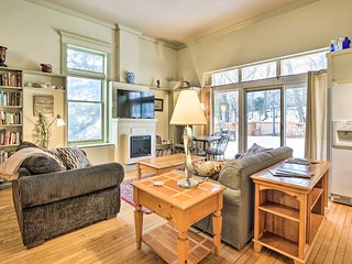 Charming Saugatuck Condo w/ Private Deck + Grill!