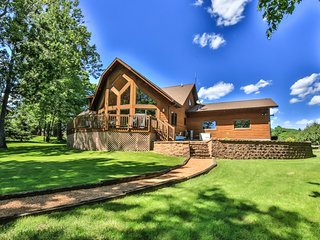 NEW LISTING! Dog-friendly lakefront home w/ on-site golf/ shared pool &  hot tub