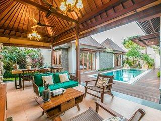 Penyaringan Villa Sleeps 6 with Pool and Air Con - 5791728