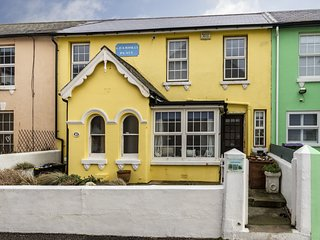 Sea View Cottage Sandgate -the little yellow cottage